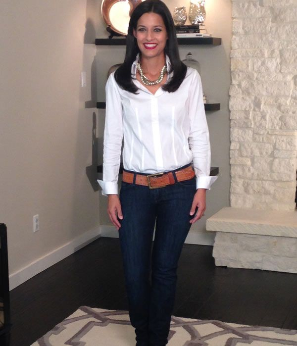 Photos 5 Outfits From A White Shirt Mirror Mirror The Live Well Network Blouse Outfit Women Jeans Outfits