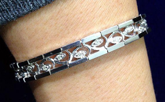 1 2 Carat Diamond Bracelet With Curved Inlay Jewelry Bracelet Etsymktgtool Diamondvine Diamondeyebracelet 12 Carat Diamond White Gold Bracelet White Gold