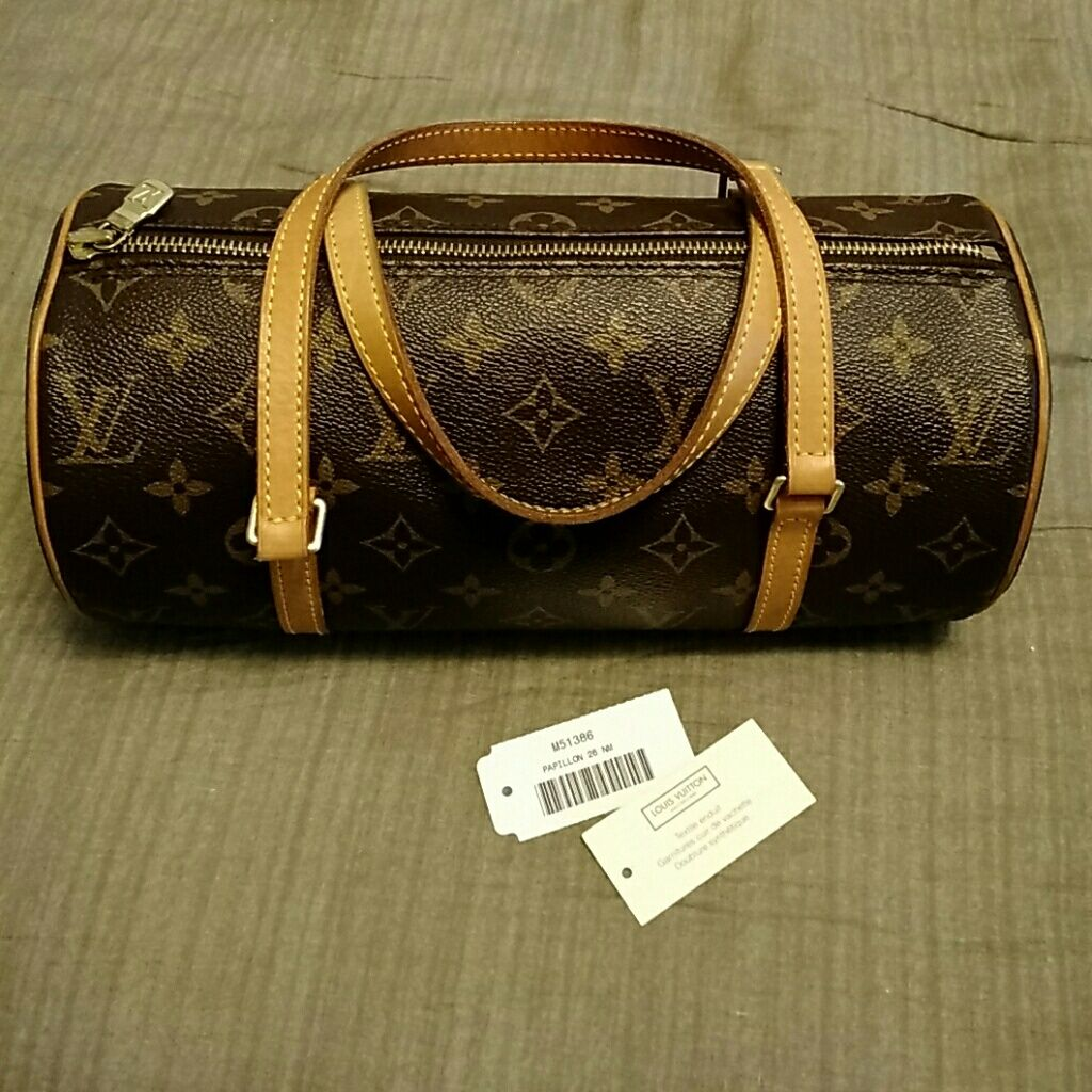 95ae8c647899 Authentic Louis Vuitton Papillon 26 Nm