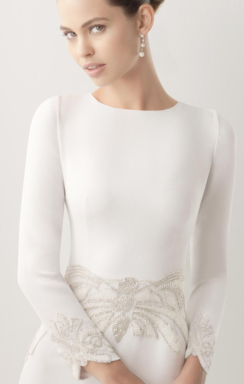 Robe cocktail blanche manche longue