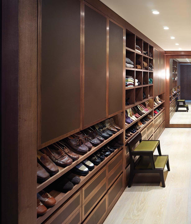 Closet vanity