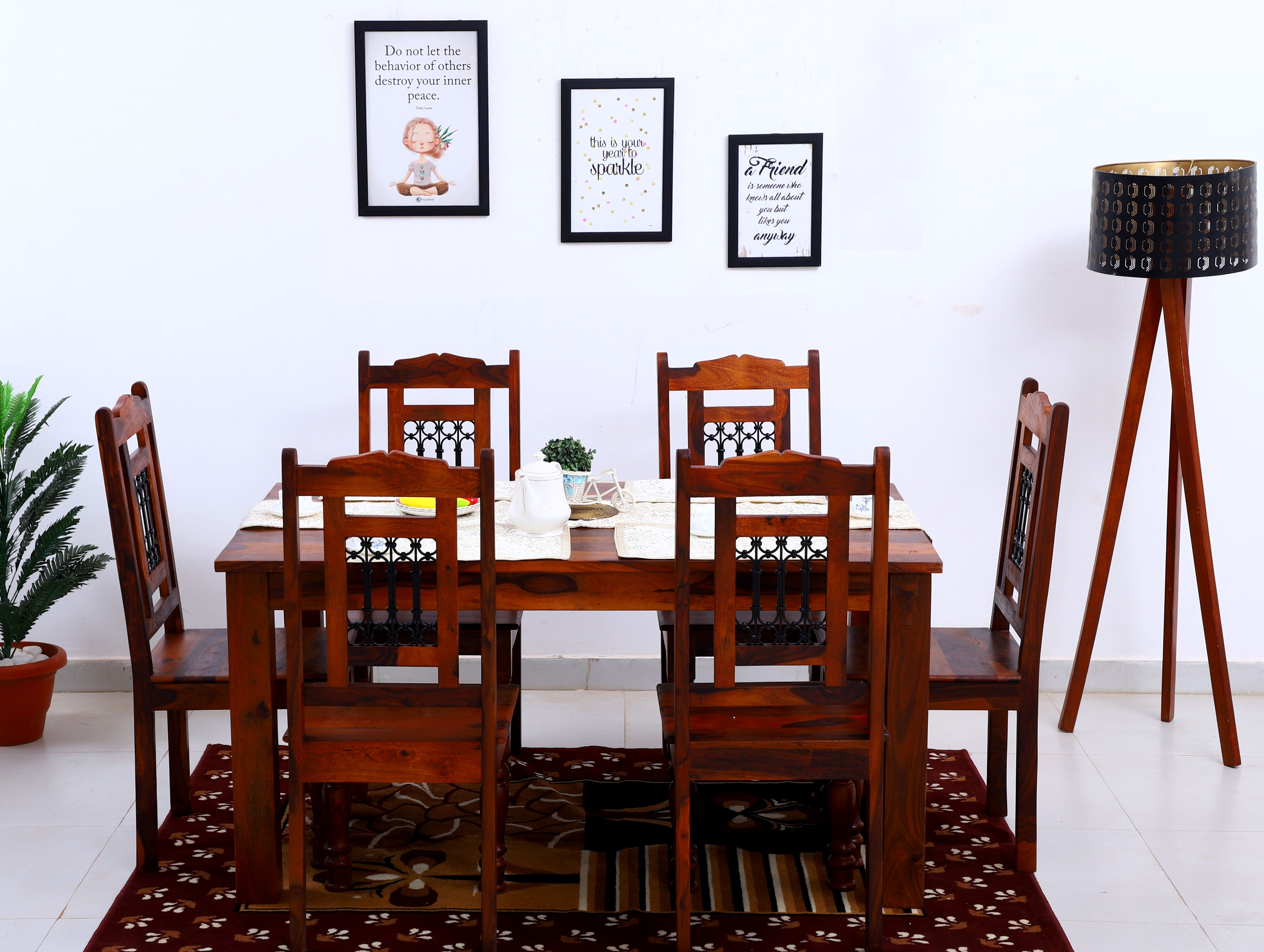 Full Of Contemporary Style This Dining Set Is Comfortable With Supporting Armrests As Well As Spacious Too In 2020 Furniture Sheesham Wood Furniture Wood Dining Table
