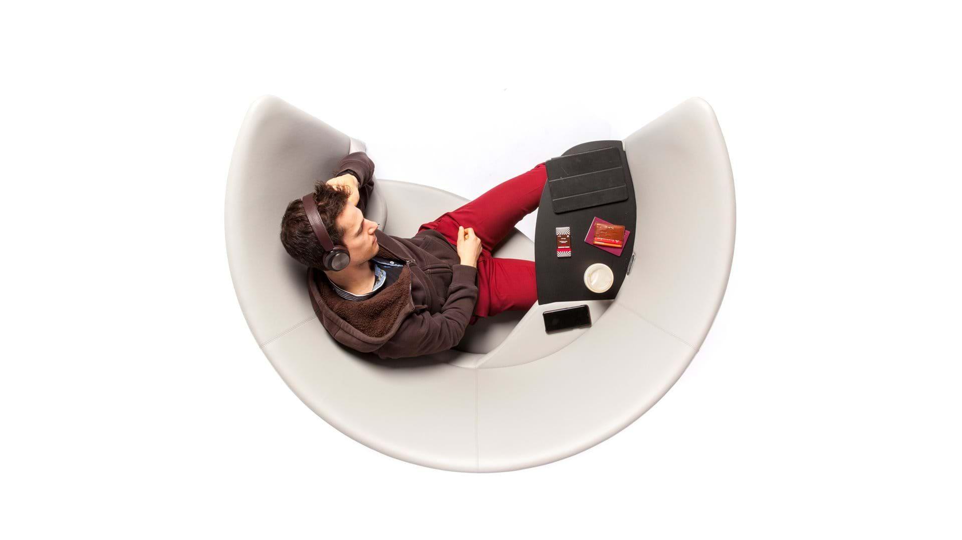 Cove Lounge Chair Foster Partners Dengan Gambar