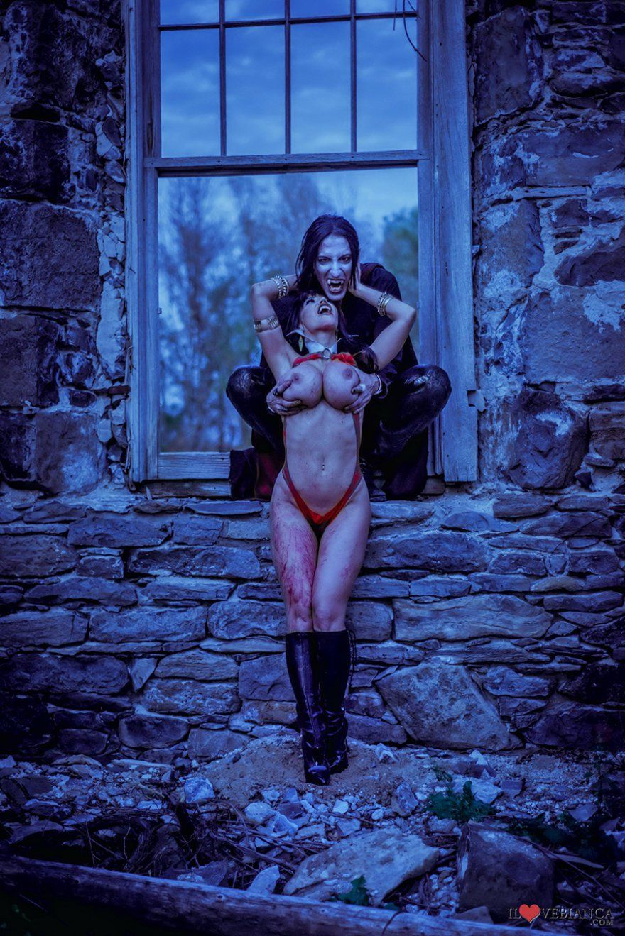 Sexy Girls Nude Gothic Vampires