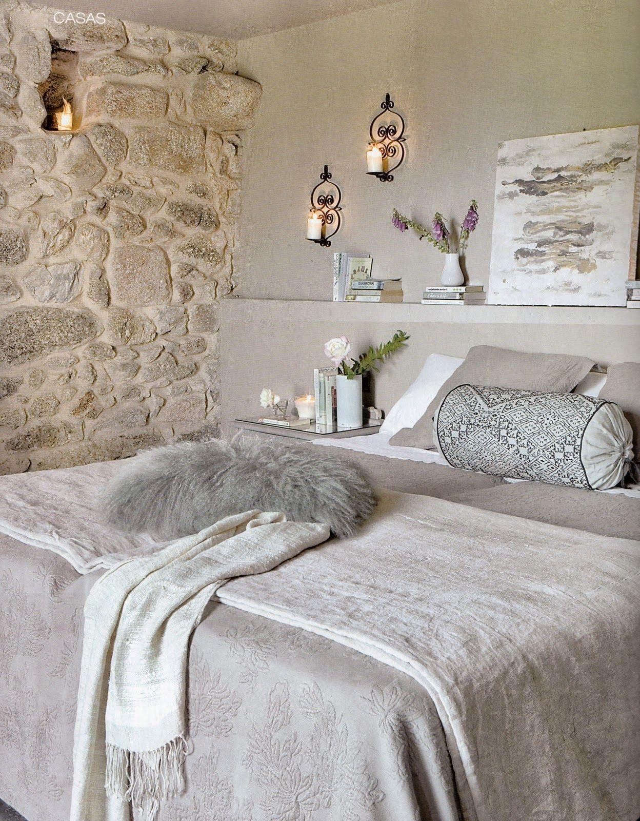 Parete in pietra con nicchia per candela | CAmere da letto | Pinterest