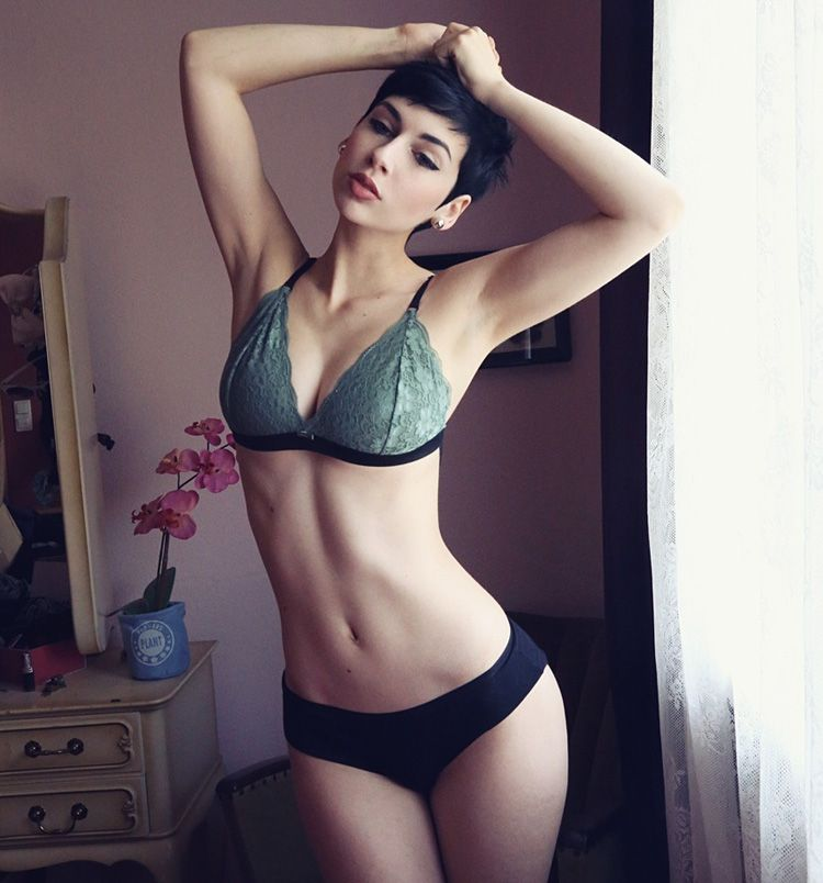 Glossop escorts provides you hot and sexy models. Call us for escorts in  Glossop service