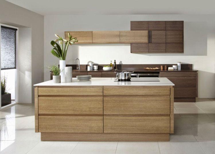 Küche aus Holz in zwei Farben mit Kücheninsel | Ideen rund ums Haus ...