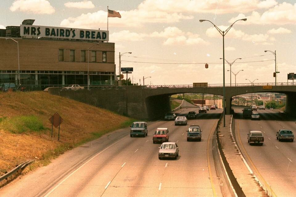 Mrs Bairds Bakery At Corner Of Summit Ave And I 30 Fort Worth Texas Dallas Fort Worth Old Pictures