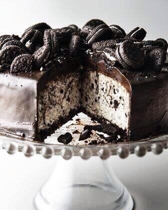 Deluxe oreo ice cream cake