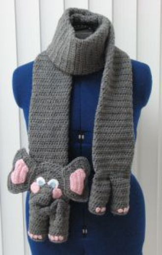 Elephant Scarf and Tote Set - This one's crocheted but it would also be cute outta other material.