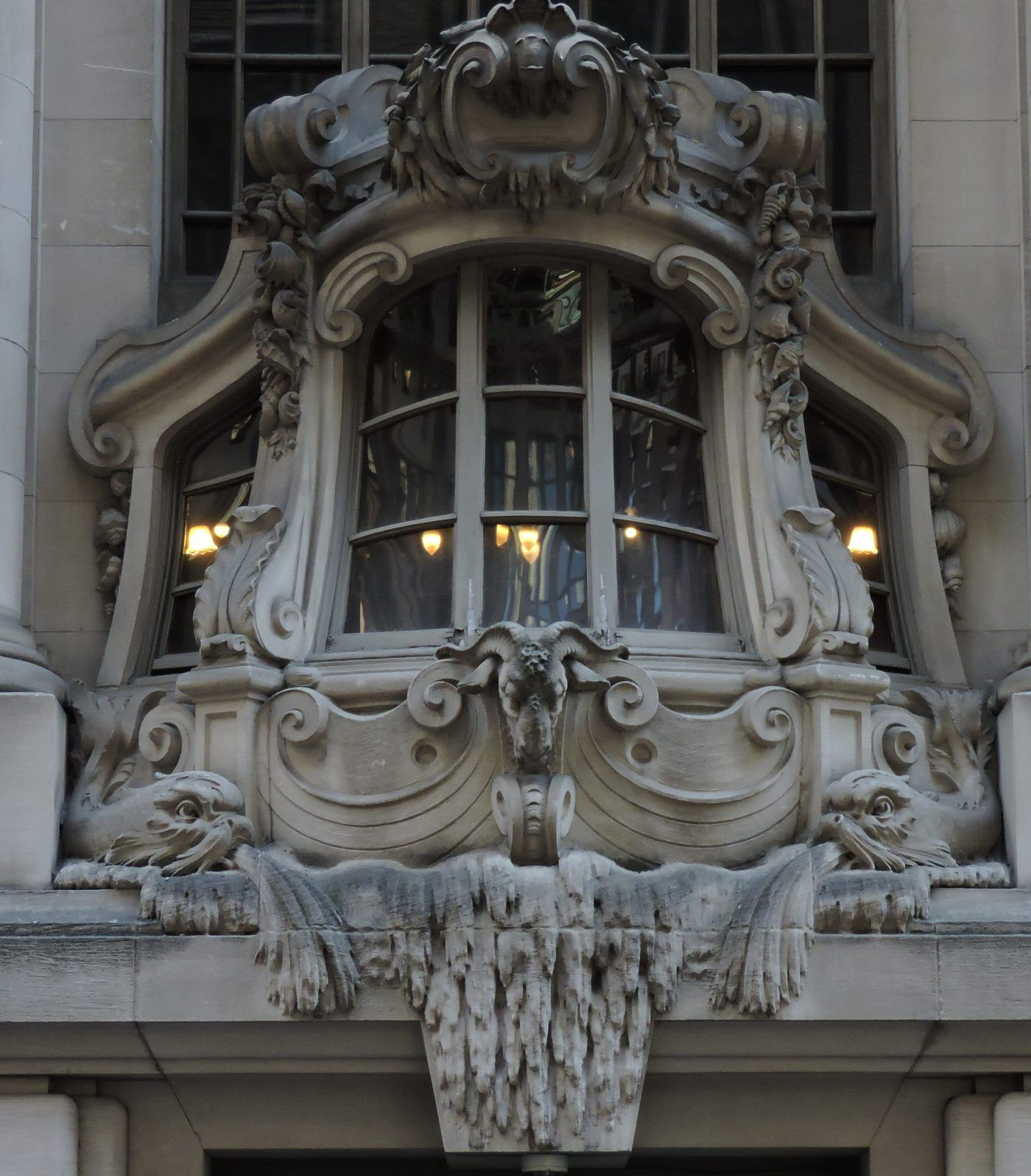 The New York Yacht Club Windows In Nyc The Building Is A Six Storied Beaux Arts Landmark With A Nautical Themed Lim Windows Architecture Details Ceiling Lights