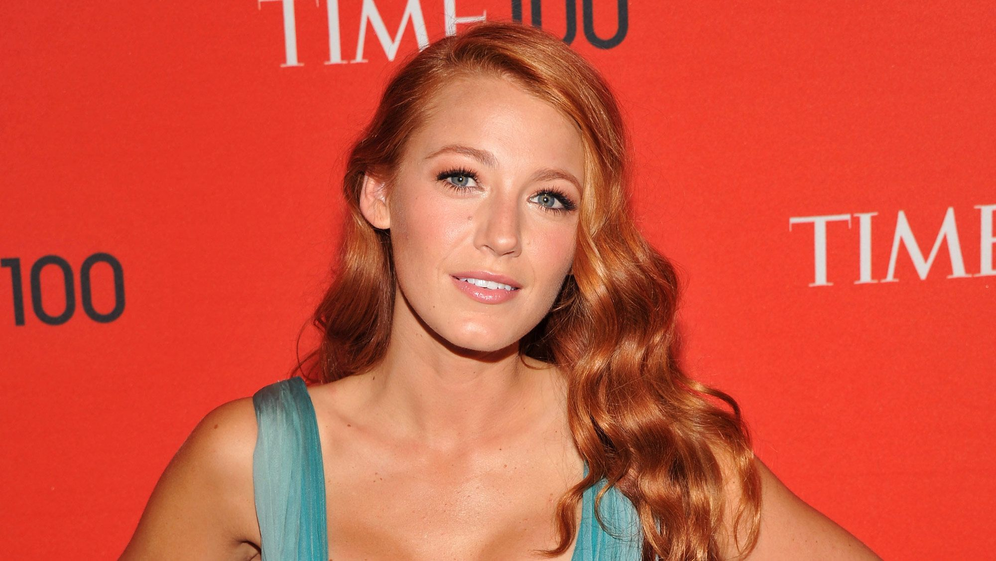 No One Does Dewy Blush Like Blake Lively Try Her Surprisingly