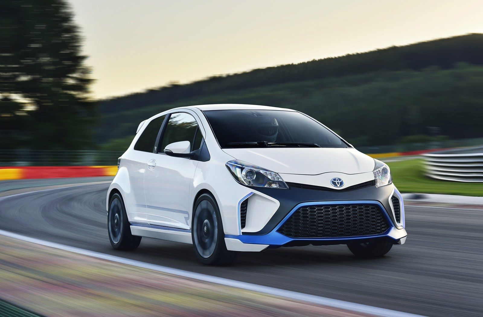 What Will The Toyota Yaris Hybrid 2020 Look Like Yaris Toyota Photo