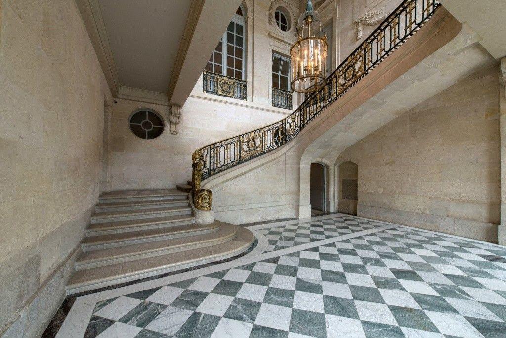 La visite du Petit Trianon: L'escalier d'Honneur - Page 2 | Petit ...