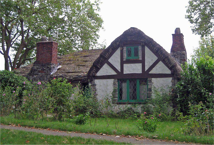 Stunning tudor bungalow 17 photos house plans 58140 for English tudor cottage