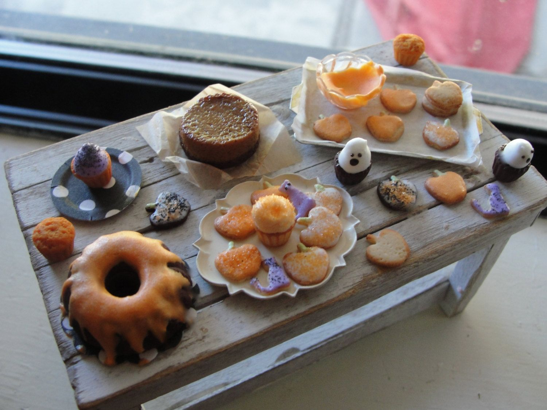 Dollhouse miniatures Halloween baking by Kimsminibakery on