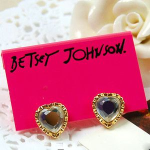<3 these <3 shapped earrings by Betsey Johnson!!!