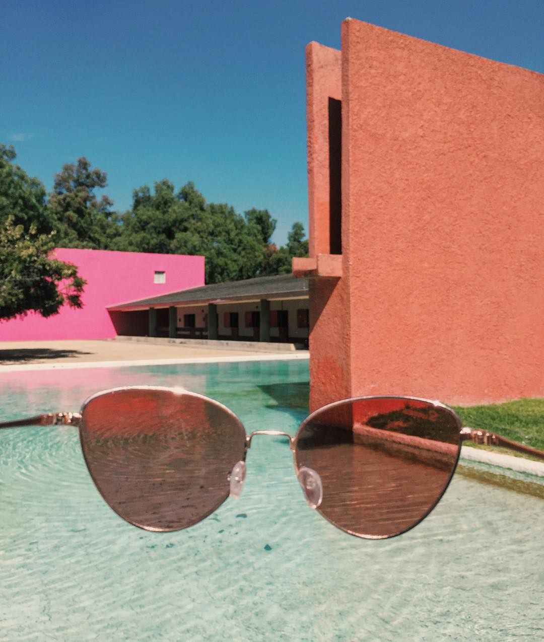 today we sunbathed in Cuadra San Cristobal, the equestrian stables by Mexican architect Luis Barragán.   #sunniesstudios