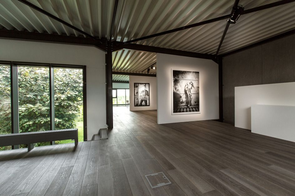Kurt Anthierens - International Rental Studios, Spotlight magazine - Production Paradise