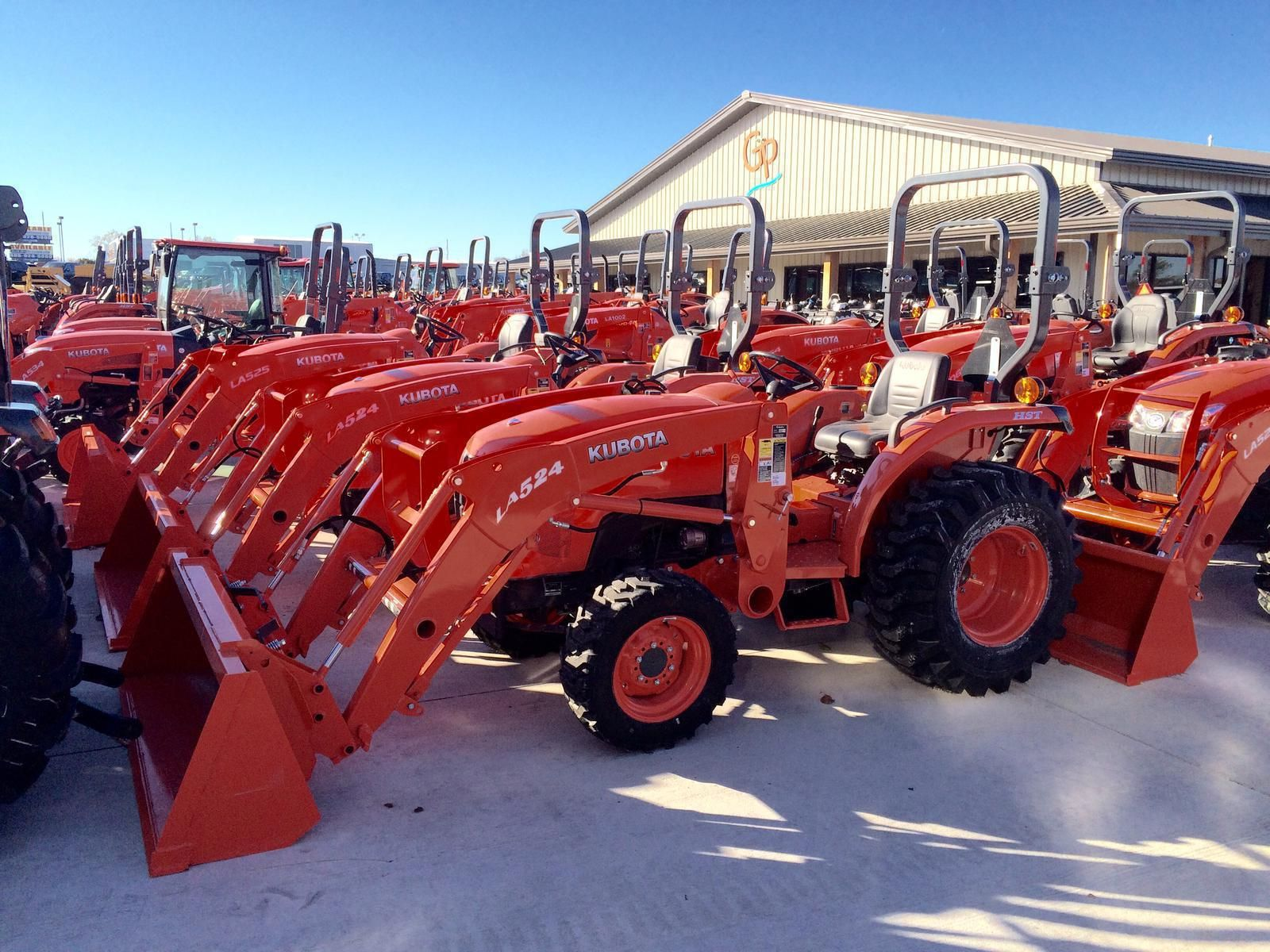 Another Tier 3 Kubota Tractor On Sale Like This L3200hst With 32hp Of Kubota Diesel Power Front End Loader Bucket And A Hydr Kubota Tractors Kubota Tractors