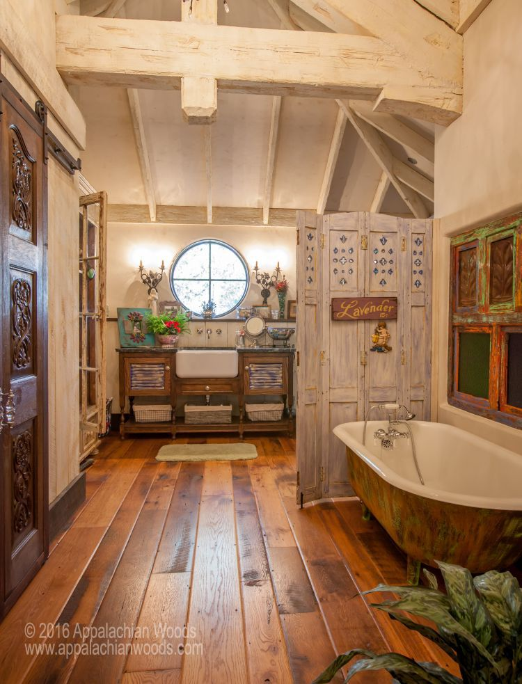 Antique Barnboard Oak flooring from a project in Texas