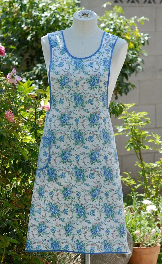 Vintage Full Apron, Kitchen Apron, Retro Womens Apron in Blue &Pink ...