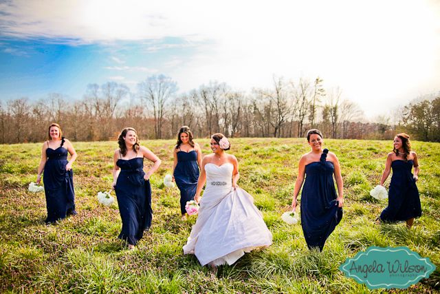 #Navy #Bridesmaids #Dresses  Photo By: Angela Wilson Photo  www.AngelaWilsonPhoto.com