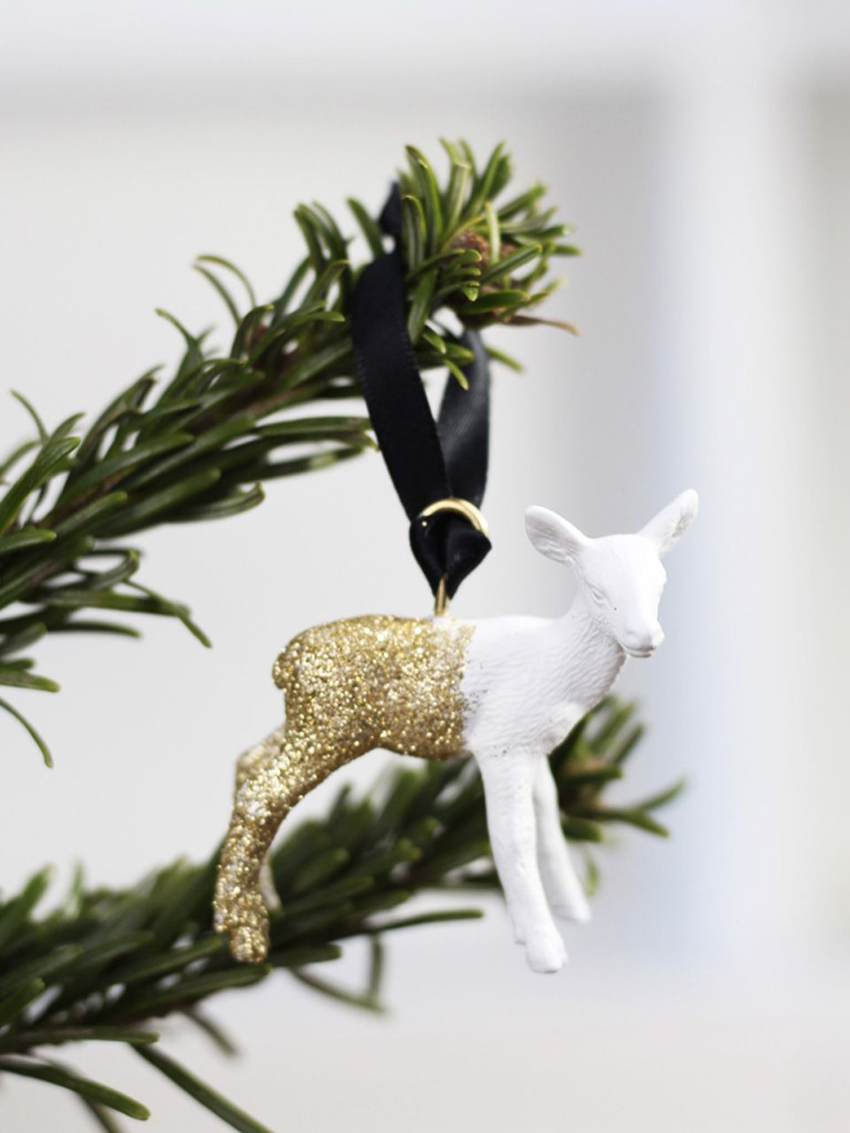 Le renne DIY pour le sapin   Noel, Christmas time and Merry