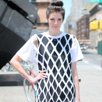 DIY Diamond Cut Out Tee Shirt in Under Fifteen Minutes Tutorial from Refinery29. This is so easy to do and the video is a little over 2 minutes. *Found at Chic Steals here.
