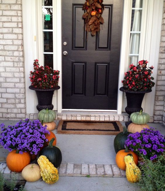 30 Mind Blowing Small Bedroom Decorating Ideas: 30 Mind-Blowing Halloween Door Decoration Ideas