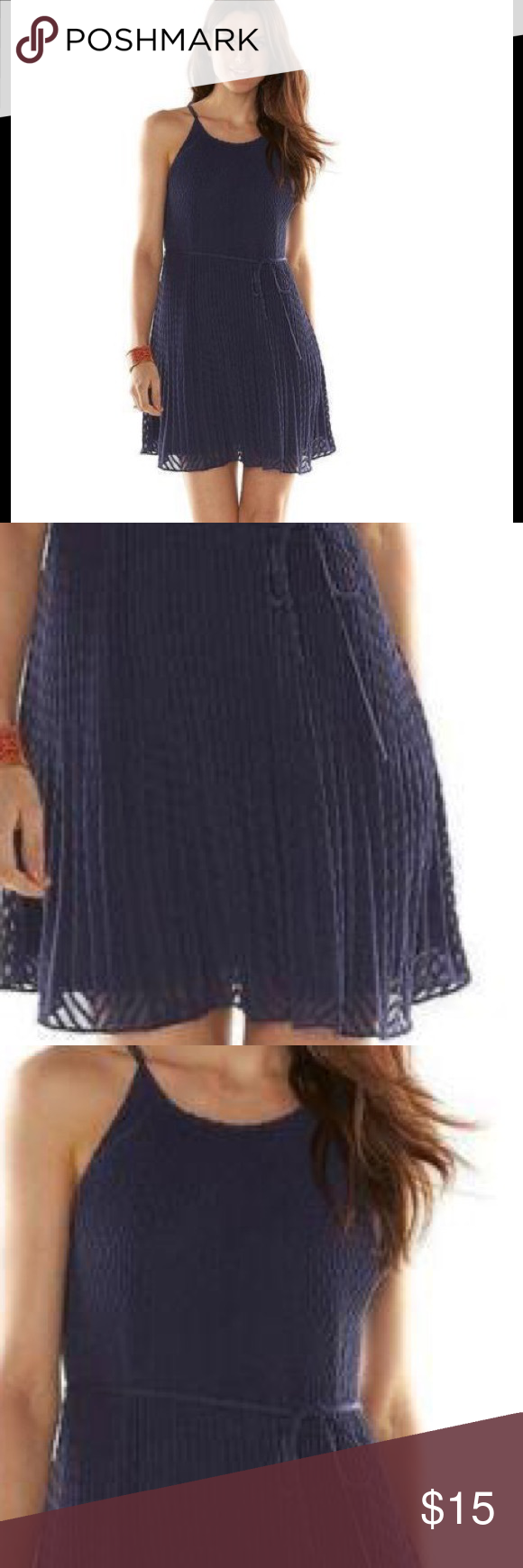 Trapeze Dress ELLE Blue Textured Pleats Size M NWT Brand new with tag, please refer to pictures for details and description ELLE Dresses