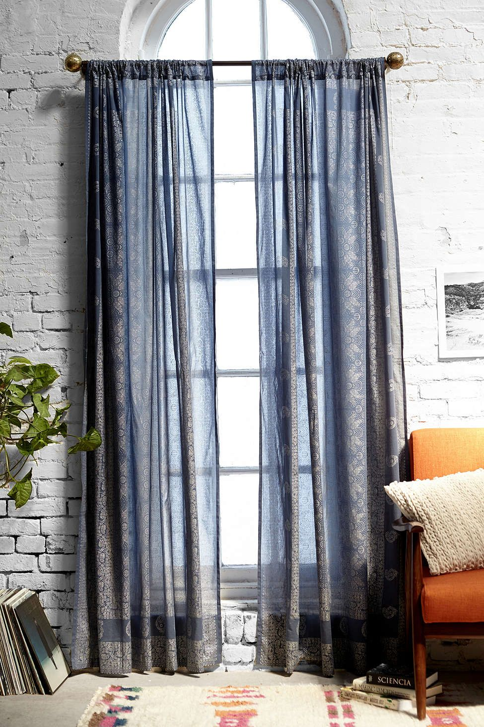 gardinen wohnzimmer doppelfenster : Foil Block Print Curtain Lange Gardinen Hohen Decken Und Gardinen