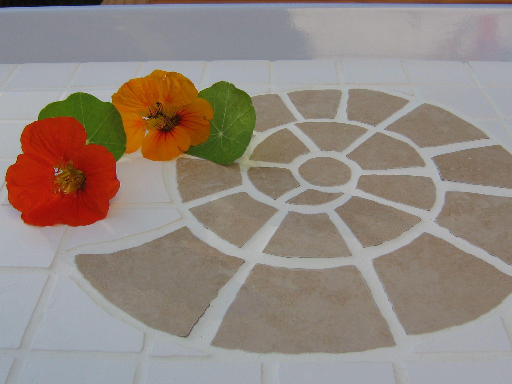 Tablett mit Mosaik aus Fliesen