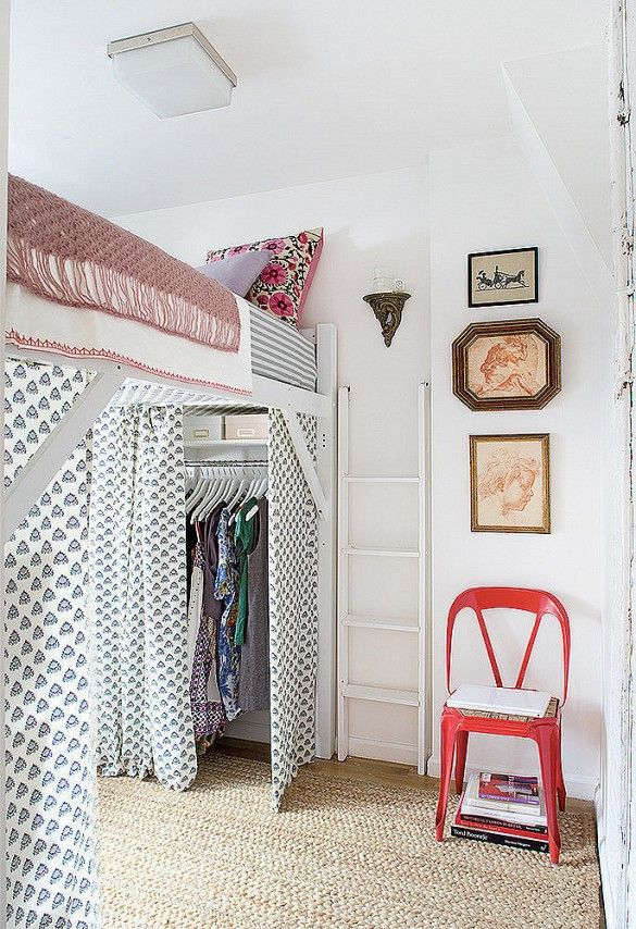 20 Tiny Bedrooms That Don T Skimp On Style Dorm Room Layouts