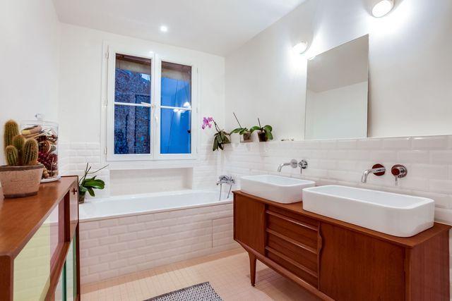 appartement paris 10 r novation totale d 39 un 100 m2 meuble vasque rose poudre et vasque. Black Bedroom Furniture Sets. Home Design Ideas
