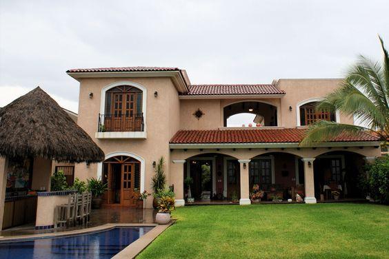 Conozcamos este hogar mexicano y su dise o vibrante y for Piani casa adobe hacienda