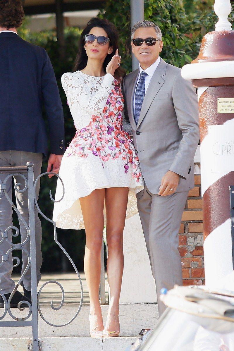 Stilwandel Amal Clooney Uberrascht Mit Ihrem Urlaubslook Modestil Vokuhila Kleid Turkis Kleidung