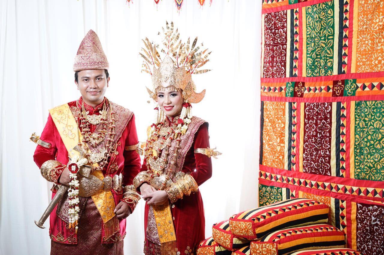Pakaian Adat Lampung Pesisir Barat