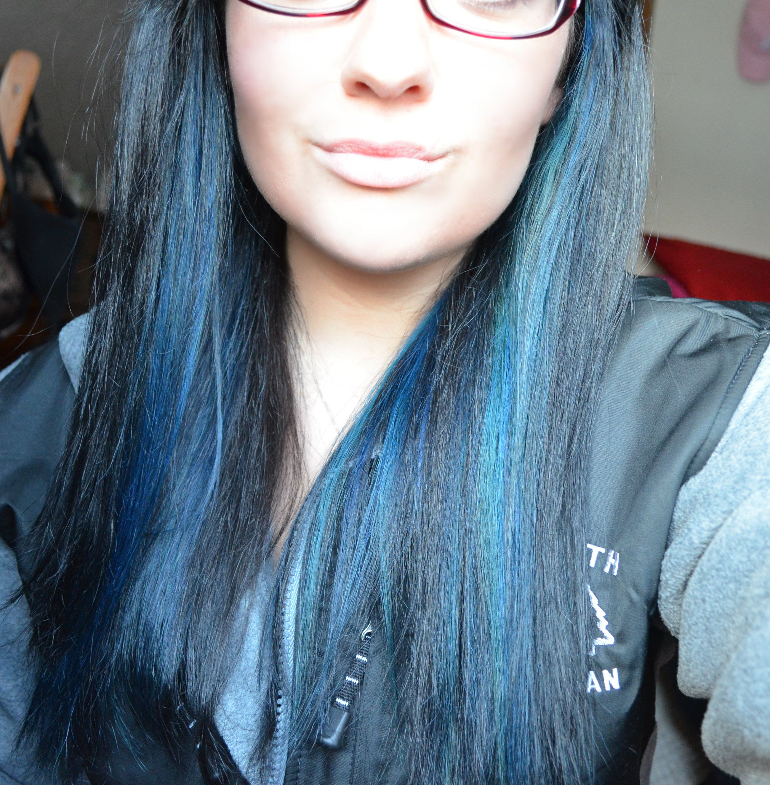 Straight Hair With Blue Highlights Blue Hair Highlights Straight Hairstyles Hair