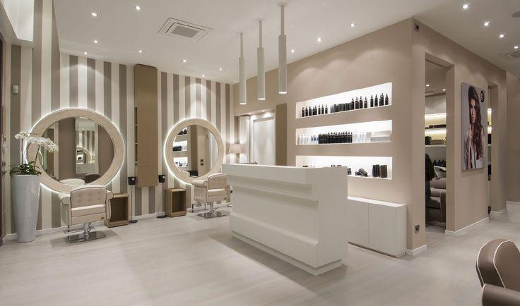 Le Design A Prix Accessible Pietranera Srl Mobilier Et Materiel Pour Salon De Coiffure Decoration Salon De Coiffure Salon De Coiffure Deco Salon De Coiffure