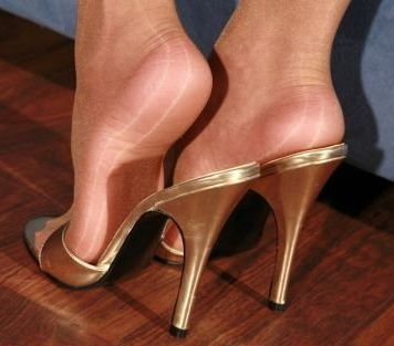 Nylon und High Heels