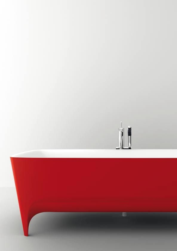 Accademia bath in Duralight red laquered