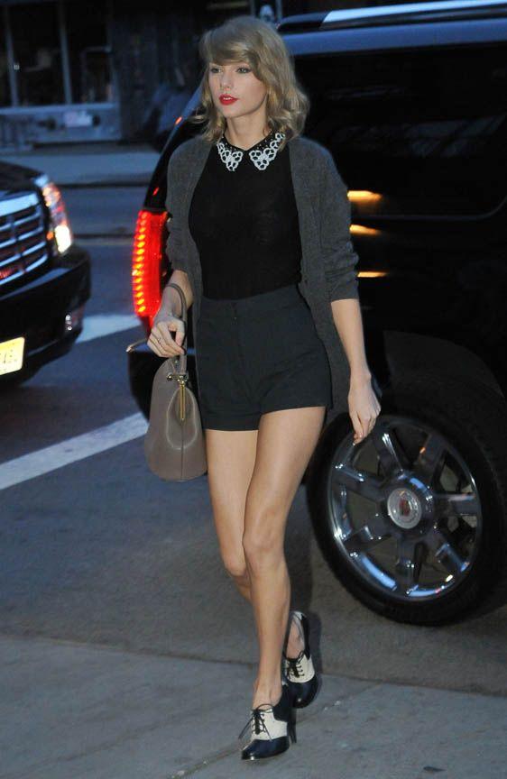 Taylor Swift e Karlie Kloss são puro estilo ao saírem para jantar juntas   Celegram