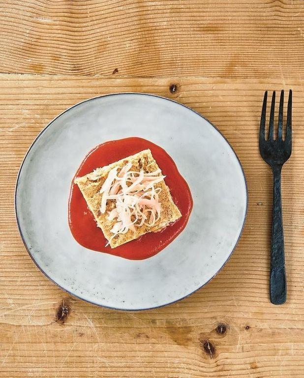 Pain aux oignons et crème de tomate pour 6 personnes - Recettes Elle à Table