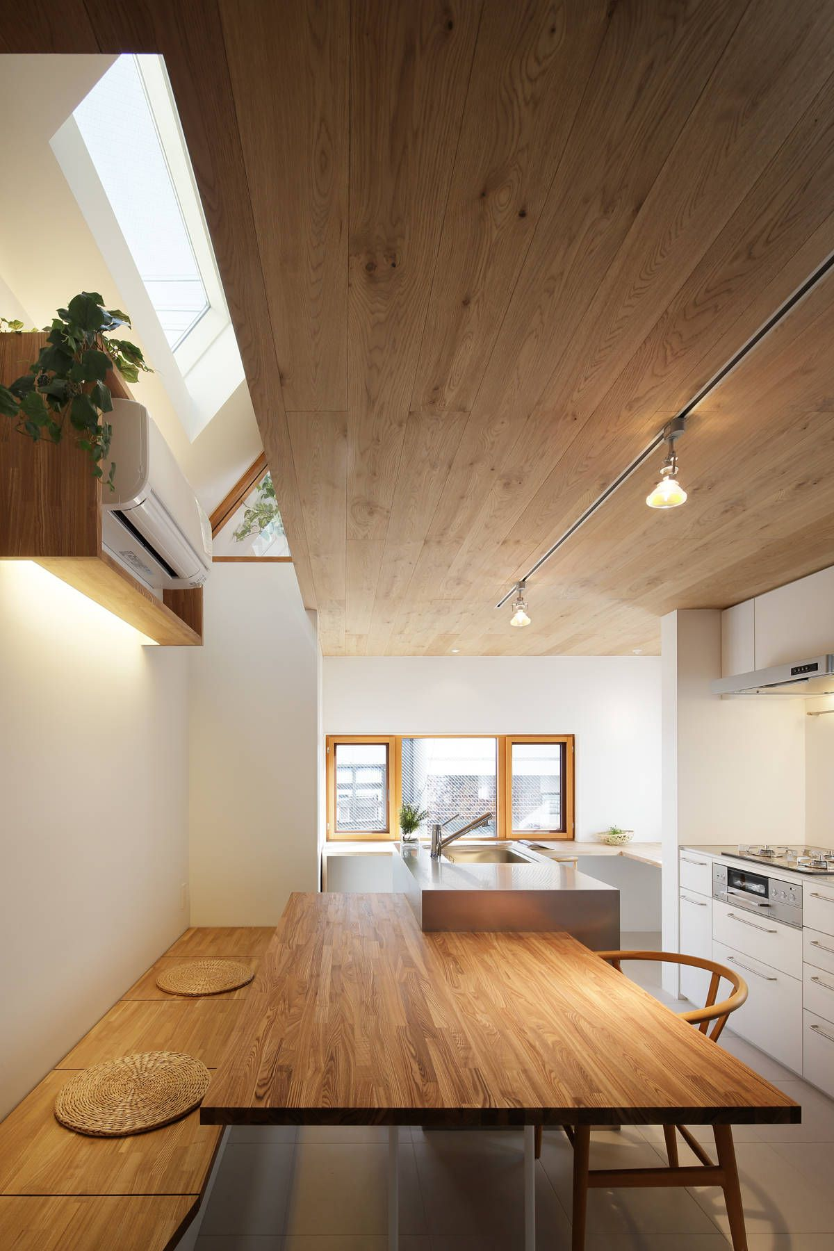 Platinum House | House, Spaces and Lights on houses in tokyo japan, narrow house interior design, small apartment building in japan, micro houses in japan, tall skinny building in japan,