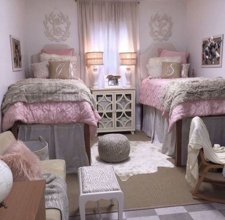 21 Dorm Bedding Ideas By Color | Dorm room styles, Dorm room ...