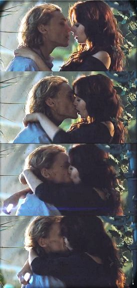 The five second Clace kiss! AHHHH IT'S SO BEAUTIFUL. I ...