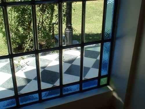 Resultado de imagen para ventanas antiguas con vidrios de for Puertas y ventanas de hierro antiguas