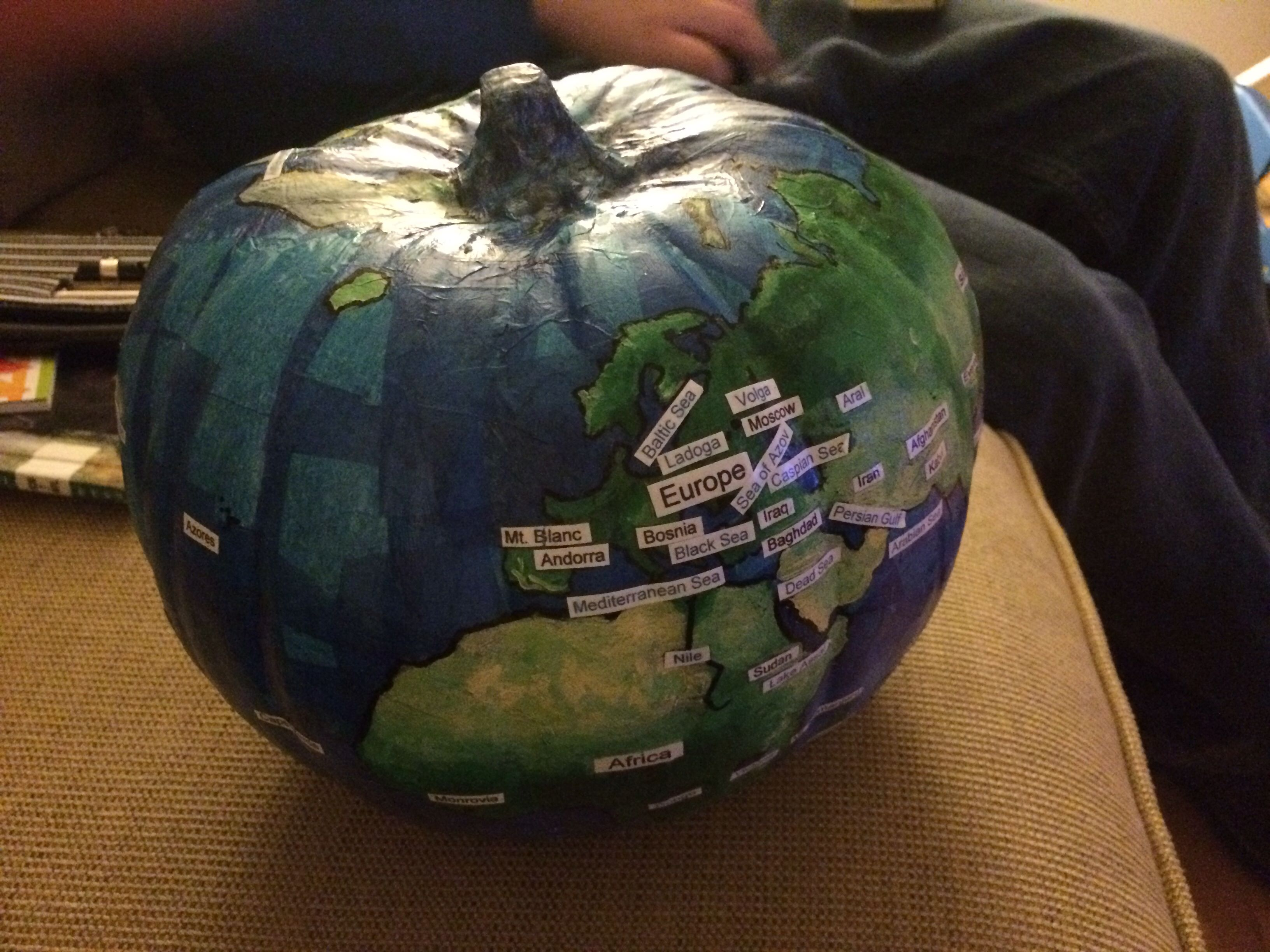 Pumpkin globe a great way to learn about the world with for Perfect paper mache