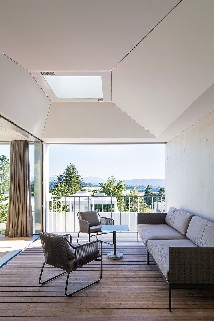4 Courtyard Houses by Think Architecture
